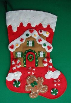 Manualidades Bonoritas Bordados Tejidos Macrame Cute Christmas Stockings, Mini Christmas Ornaments, Christmas Stocking Kits, Felt Stocking, Christmas Wreaths, Christmas Crafts, Gingerbread Decorations, Xmas Decorations, Poinsettia
