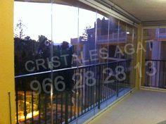 Cortinas de cristal en Denia. Instalacion de cortinas de cristal con estores enrollables. Llama nos 966 28 28 13. correo info@cristalesagat.es. http://www.cristalesagat.es