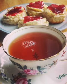 Time for a spot of tea and scones  #tea #afternoontea #scones #vintagechina #teacups  #sundayafternoon by barakateas