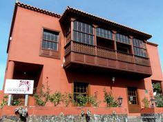 MUSEO DEL VINO Y LA PLAYA DE PUERTO NAOS. La Palma. Islas Canarias.