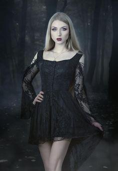 model, photo, mua: Absentia dress: Gothic and Amazing |