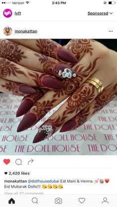 Latest Bridal Full Hand And Feet Mehandi Design Full fit latest mehandi designs for bridal 2017 ammazing and unique henna designs. Finger Henna Designs, Unique Mehndi Designs, Mehndi Designs For Fingers, Beautiful Henna Designs, Beautiful Mehndi, Henna Tattoo Designs, Mehandi Designs, Pretty Designs, Beautiful Hands