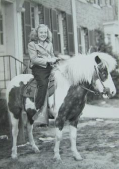 A girl and her pony from the Some things never change. 6 Photos, Old Pictures, Cute Pictures, Vintage Children Photos, Vintage Photos, Farm Kids, Pony Rides, Pony Horse, Painted Pony