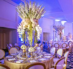 Photography: Suzanne Delawar Studios | #CarrieZack #weddings #centerpieces…