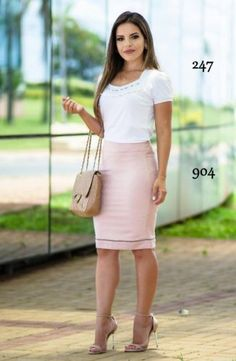 Simple pink and white Curvy Outfits, Mom Outfits, Modest Outfits, Skirt Outfits, Classy Outfits, Chic Outfits, Fashion Outfits, Work Fashion, Modest Fashion