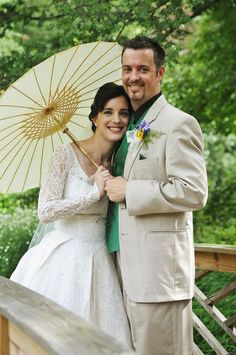 Such a nice photo. I really like the paper parasol.
