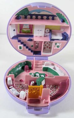 Wow the old Polly Pocket