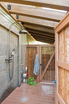 Shower fixtures for outdoors