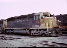Net Photo: NP 3600 Northern Pacific Railway EMD at Minneapolis, Minnesota by Roger Lalonde Electric Locomotive, Diesel Locomotive, Rail Train, Railroad History, Abandoned Train, Burlington Northern, Old Trains, Train Engines, Minneapolis Minnesota