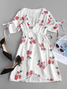 Floral Print Mini Wrap Tea Dress - Floral Print Mini Wrap Tea Dress – White S Source by skorpionboris - Cute Dresses, Casual Dresses, Fashion Dresses, Cute Outfits, Summer Outfits, Mini Wrap, Floral Tea Dress, Mini Vestidos, Tee Dress