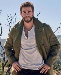 Liam Hemsworth Source — HQ photos of Liam for Men's Health Australia. Liam Hamsworth, Hemsworth Brothers, Just Beautiful Men, Scruffy Men, Australian Actors, Dapper Men, Attractive Men, Good Looking Men, Chris Hemsworth