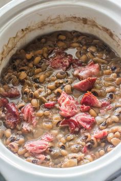 Slow-Cooker Southern-Style Blackeye Peas. Dried blackeye peas cooked in a slow-cooker with ham hocks, sweet onion and seasoning. Cooking Ham In Crockpot, Crock Pot Slow Cooker, Slow Cooker Recipes, Cooking Recipes, Crockpot Recipes, Cooking Games, Cooking Classes, Cooking Corn, Cajun Cooking