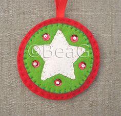 https://flic.kr/p/7dfjzF   Felt Ornament (Hangertje van Vilt)   * Handsewn felt ornament. * Handgenaaid hangertje van vilt.