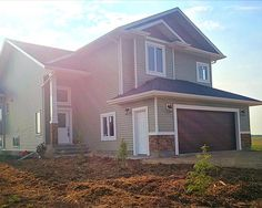 View the price of real estate in Rural Parkland County, see homes for sale near 52329 Rge Rd 13 Rural Parkland County, or learn if this home is for sale today! Country Builders, Home Builders, Slate Stone, Vinyl Siding, Cross Country, House Plans, Shed, Real Estate, Exterior