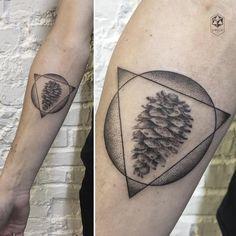 """Pocket: 210 Likes, 3 Comments - Ola Oleszkiewicz (@pejczi) on Instagram: """"szyszka z samych kropek :) a dotwork pine cone :) zapisy/booking: warsawink@gmail.com --- check out…"""""""