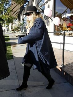 British singer Adele shops for her newborn baby at #Bel #Bambini in West Hollywood, California on January 11th, 2013. Adele is in the Los Angeles area to perform at the Golden Globes on Sunday. http://celebhotspots.com/hotspot/?hotspotid=6266&next=1