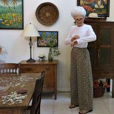 #v9217 My favorite Kathryn Brenne pants in leopard, paired with a Grainline Lark Tee! More on my blog. #grainlinestudio #animalprintfabriccocos.loftgrainlinestudio,v9217,animalprintfabric