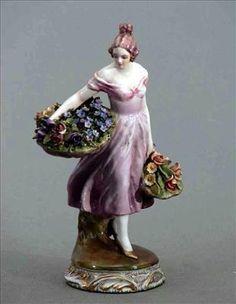 Guido Cacciapuoti – Fioraia anni 30   Guido Cacciapuoti - ceramiche da collezione del 900