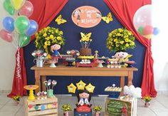 Decoração de Mesa e doces personalizados no tema Show da Luna e muito mais.