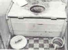 De wc! Bij opa en oma in Vianen weigerde ik om naar het toilet te gaan. Véél te vies. Dan maar ophouden.