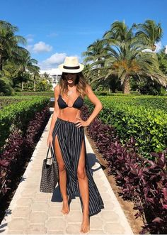 What To Wear On Your Spring Beach Vacation Beach Vacation Outfits, Cruise Outfits, Beach Outfit 2018, Miami Outfits, Beach Holiday Outfits, Outfits For Mexico, Honeymoon Outfits, Beach Attire, Vacation Style