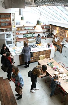 Vintage style kitchen where Jamie Oliver cooks – Papermill studios.