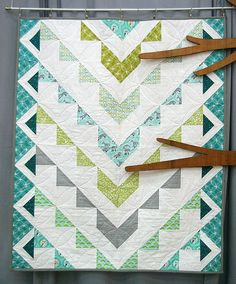 Love the fabric & pattern! Les Amis Quilt by pattysloniger, via Flickr