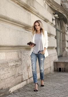 Discover and organize outfit ideas for your clothes. Decide your daily outfit with your wardrobe clothes, and discover the most inspiring personal style Next Fashion, Look Fashion, Girl Fashion, Urban Fashion, Fashion Beauty, Look Blazer, Blazer With Jeans, Denim Blazer, Denim Overalls