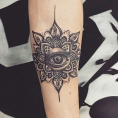 Tattoo mandala eye dotwork