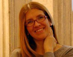 Nata a Carbonia nel 1974, Rita Carla Francesca Monticelli vive a Cagliari dal 1993. Laureata in Scienze biologiche, è stata ricercatrice ed assistente di Biologia all'università di Cagliari. Tra il...