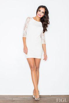 Dopasowana szara sukienka polskiej marki FIGL. Materiał koronkowy w delikatne motywy kwiatowe. #modadamska #moda #sukienkikoktajlowe #sukienkiletnie #sukienka #suknia #sukienkiwieczorowe #sukienkinawesele #sukienkikoronkowe #allettante.pl