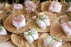 bem casados papel crepom branco e elásticos em tons pastéis | Wedding |