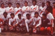 La selección peruana logró uno de sus triunfos mas recordados frente a Uruguay en el mítico Centenario, en 1981. March 29, 2016.