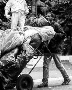 """Pela fumaça desgraça que a gente tem que tossir..""      #detalhesaopaulo #splovers #saopaulowalk #tvminuto #spdagaroa #365diasSP #omelhorclick #splovers #babiloniazeroonze #vejasp #olharesdesampa #bbcbrasil #archsp #brasil #meuclicksp #saopaulo #saopaulocity #ig_spnafoto #catracasp #streetphoto_brasil #sp4you #spmilgrau #splovers #euvivosp #amorpaulista #ig_saopaulo #cidadedagaroa #omelhorclick #mostreseuolhar  #ig_detalhebrasil"