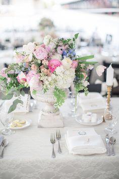 Centerpiece Perfection //Tennessee Wedding by Watson Studios and Jennifer Laraia « Southern Weddings Magazine