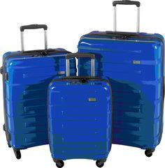 Ce set de 3 valises rigides ultra légères à 4 roulettes en polypropylène est idéal pour des voyages en train ou avion en famille.