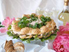 Juhlava lohitäytteinen tuulihatturengas | Kulinaari Takana, Ricotta, Camembert Cheese, Dairy