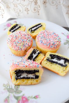 Kill Them With Chic how to bake Oreo Cupcakes - Kill Them With Chic