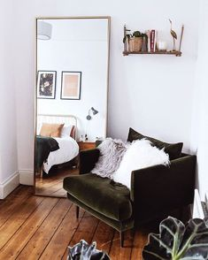 5 Bedroom Updates - The Lovecats Inc My Living Room, Apartment Living, Home And Living, Living Spaces, Studio Apartment, Cosy Apartment, Home Design, Interior Design, Ideas Para Organizar