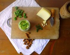 Linguine al pesto di fave e pecorino
