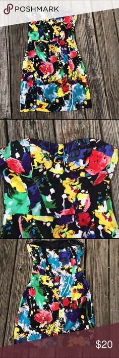 Fun and colorful Floral Dress Excellent condition. Structured through sides of torso with touching through the front panel. Fitted and strapless with built in bra structure. Great dress Forever 21 Dresses