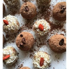 Cardamom Goji Balls. Super good superfood madness. #lowglycemic #glutenfree…