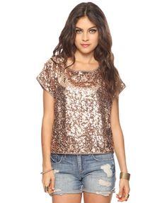 i looooveee this shirt.