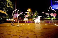 Spaziergang auf der #Reeperbahn #Hamburg mit dem #Beatles Platz / Walk along the Reeperbahn and visit the Beatles statues [Foto: Carmelo Bayarcal, Lizenz: CC-BY-SA-3.0 (http://creativecommons.org/licenses/by-sa/3.0)]