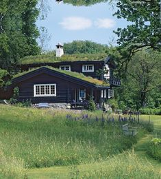 Norwegian cabin in sweden Dark House, Cabins And Cottages, Wooden House, Scandinavian Home, Interior Architecture, Beautiful Homes, Outdoor Living, Decoration, House Design