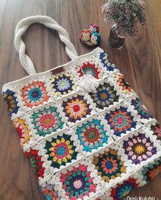 Bolsa de crochê Touch the image for exclusive graphics – Crochet Quilt, Crochet Tote, Crochet Handbags, Crochet Purses, Crochet Squares, Crochet Granny, Crochet Crafts, Crochet Stitches, Crochet Projects
