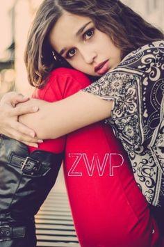 2013 senior girl pose. by merling.barcelo