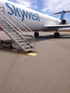 Skywest Fokker 100 -- At Geraldton Airport,WA