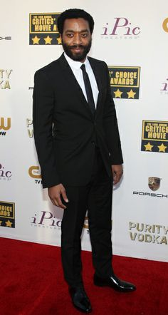Chiwetel Ejiofor stylish in a two-button Burberry black suit, At 2014 Critic's Choice Awards! | Trend 911