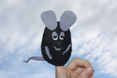 "Frederick the field mouse as a gift for ""little"" friends - HANDMADE culture - Frederick the field mouse as a gift for ""little"" friends - Fall Arts And Crafts, Diy Crafts For Kids, Summer Crafts, Craft Ideas, Minnie Mouse Drawing, Leo Lionni, Mouse Crafts, Kindergarten Art Projects, Gender Reveal Party Games"